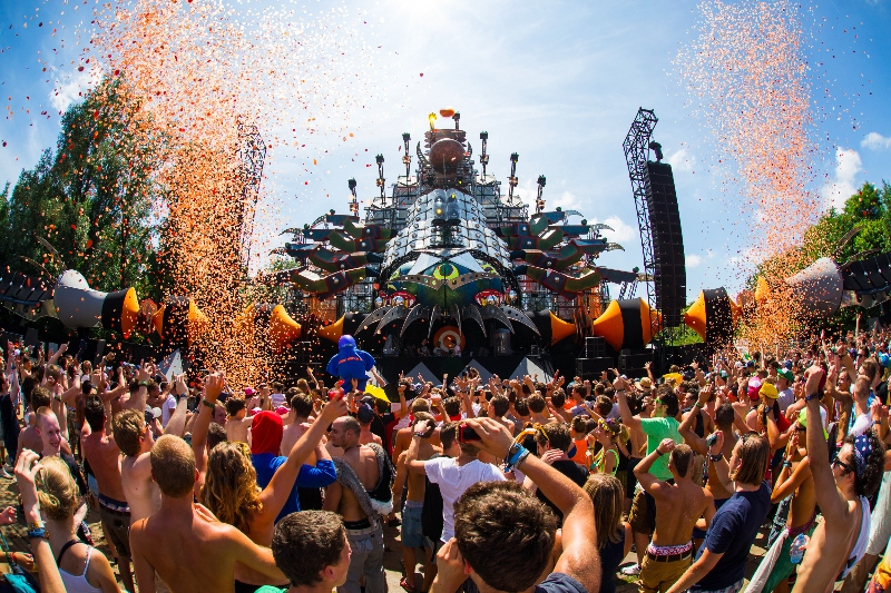 http://www.youredm.com/wp-content/gallery/tomorrowland-day-1/bestof_friday_-05.jpg