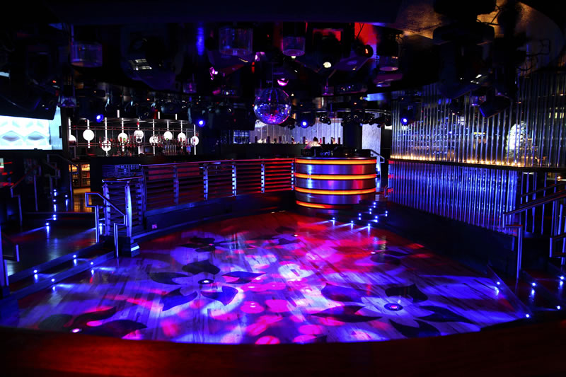 pleasure night club