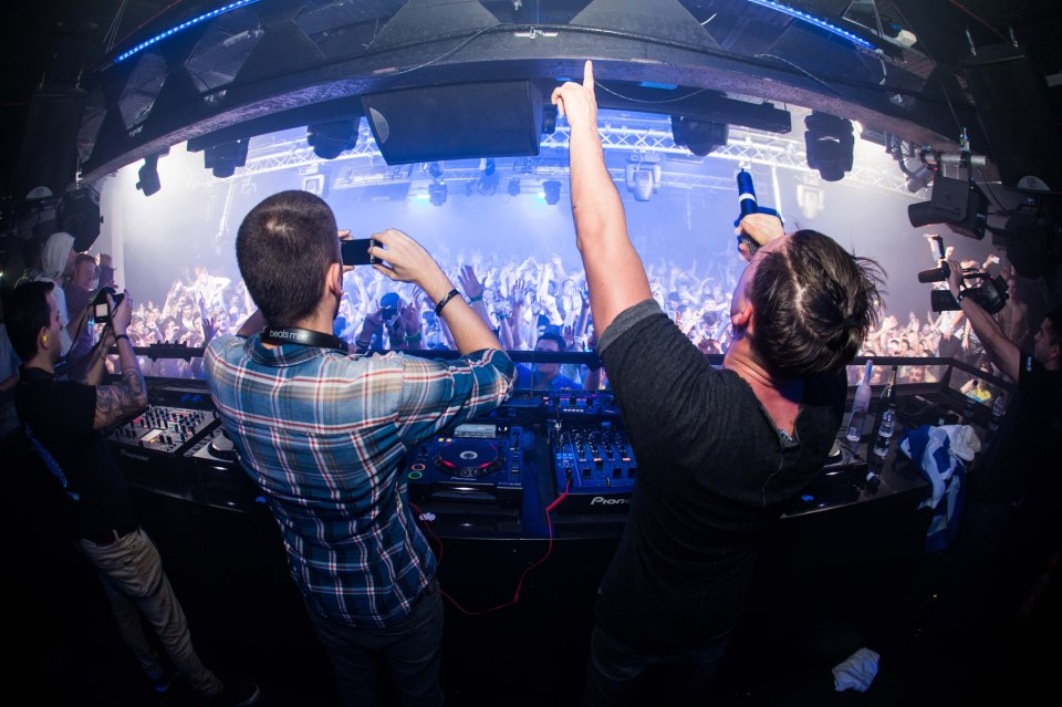 Dimitri Vegas, Like Mike & GTA (feat. Wolfpack) – Turn It Up [Preview]