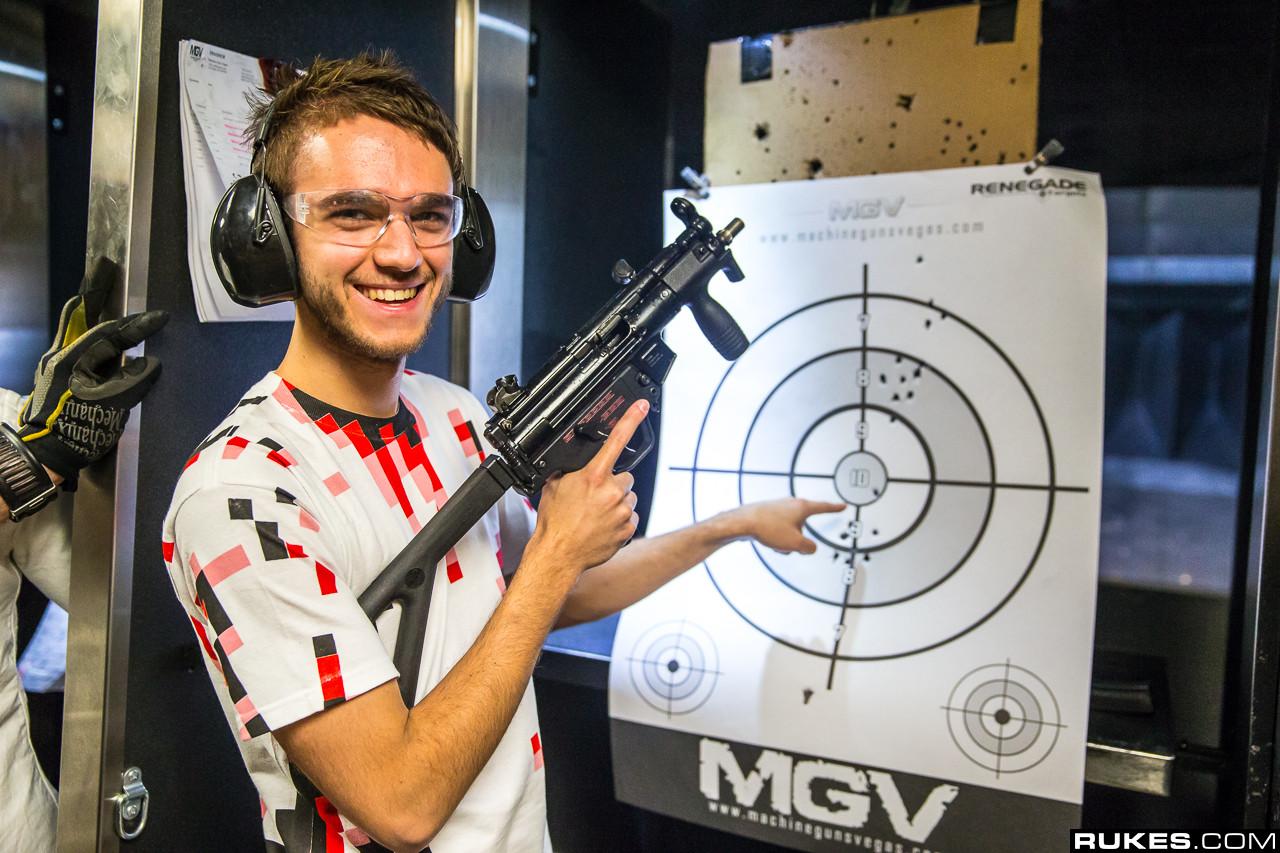 zedd and machine guns