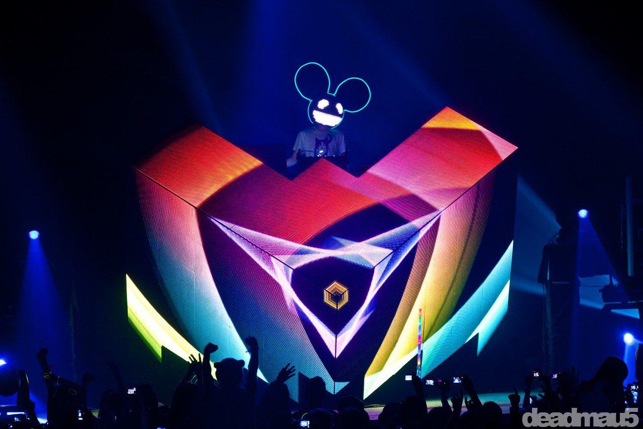 Deadmau5 Plays Surprise Free Show at Club XS in Las Vegas