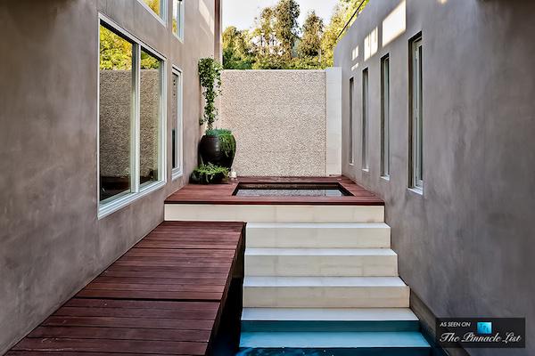 26-1474-Blue-Jay-Way-Los-Angeles-CA_zps20e20960.jpg~original