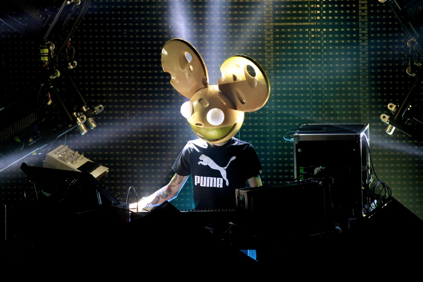 Deadmau5 Gets Hacked By Anonymous? TANGO DOWN