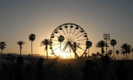 Coachella & Lollapalooza Ban Selfie Sticks