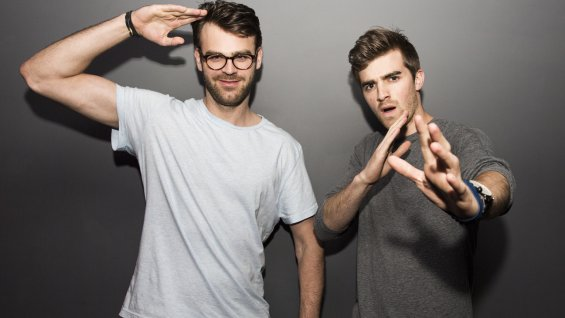 the chainsmokers million dollar deals selfie
