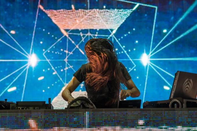 "Stream Bassnectar's ""Hold On"" ft. TURSI, The Next Track Off Noise Vs. Beauty"