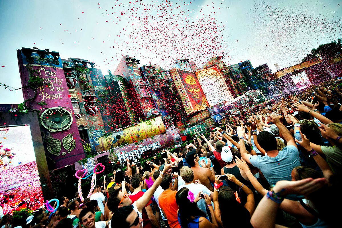 Top 10 shazamed tracks at tomorrowland 2014 your edm for Best deep house tracks of all time