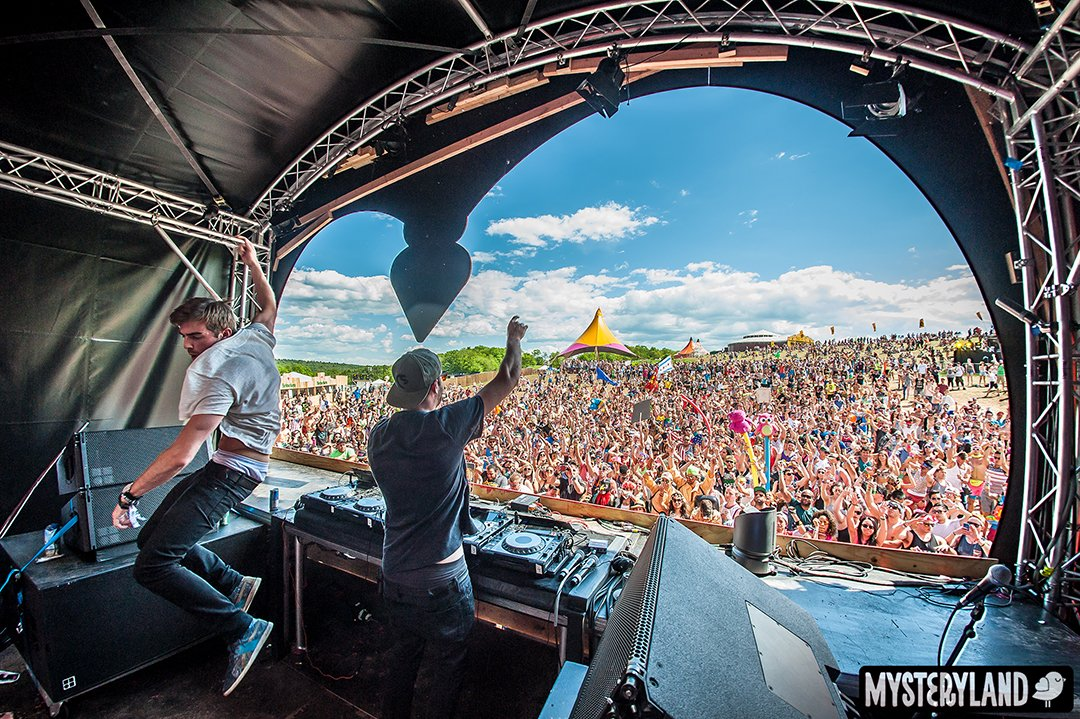 Chainsmokers MLUSA14_ChainSmokers_MainStage_CP-6091