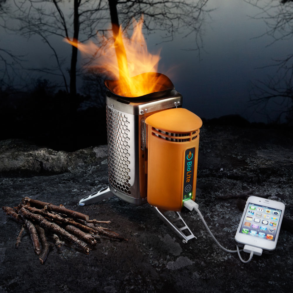 biolite-campstove-burns-wood-to-cook-dinner-charge-gadgets-1