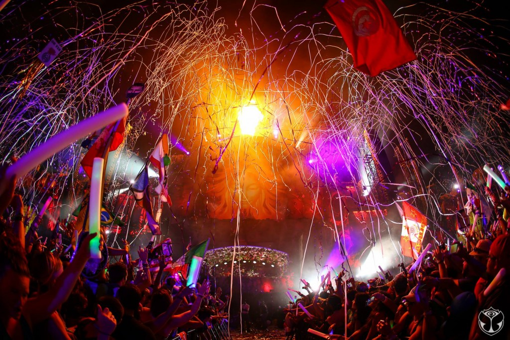 Deaf Girl Experiences the True Meaning of EDM at TomorrowWorld