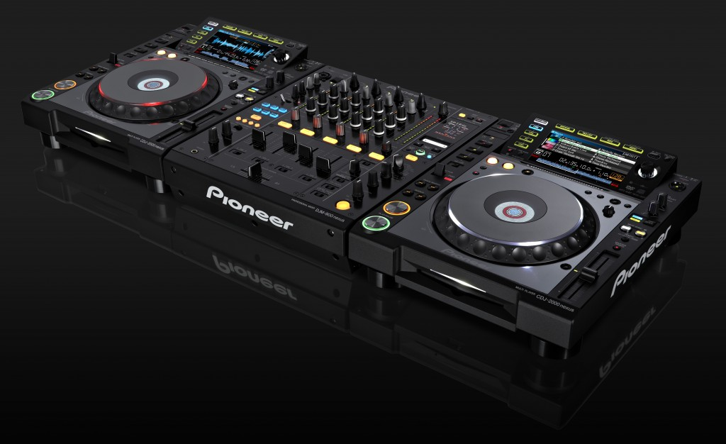 DJ Equipment Triggers Bomb Scare on the Hollywood 101
