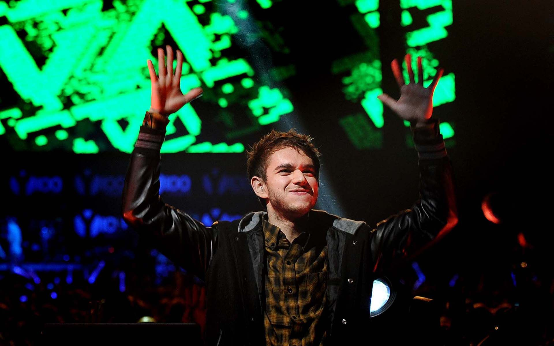 Zedd Sings Clarity Acapella With Crowd Of 20,000+ [video ...