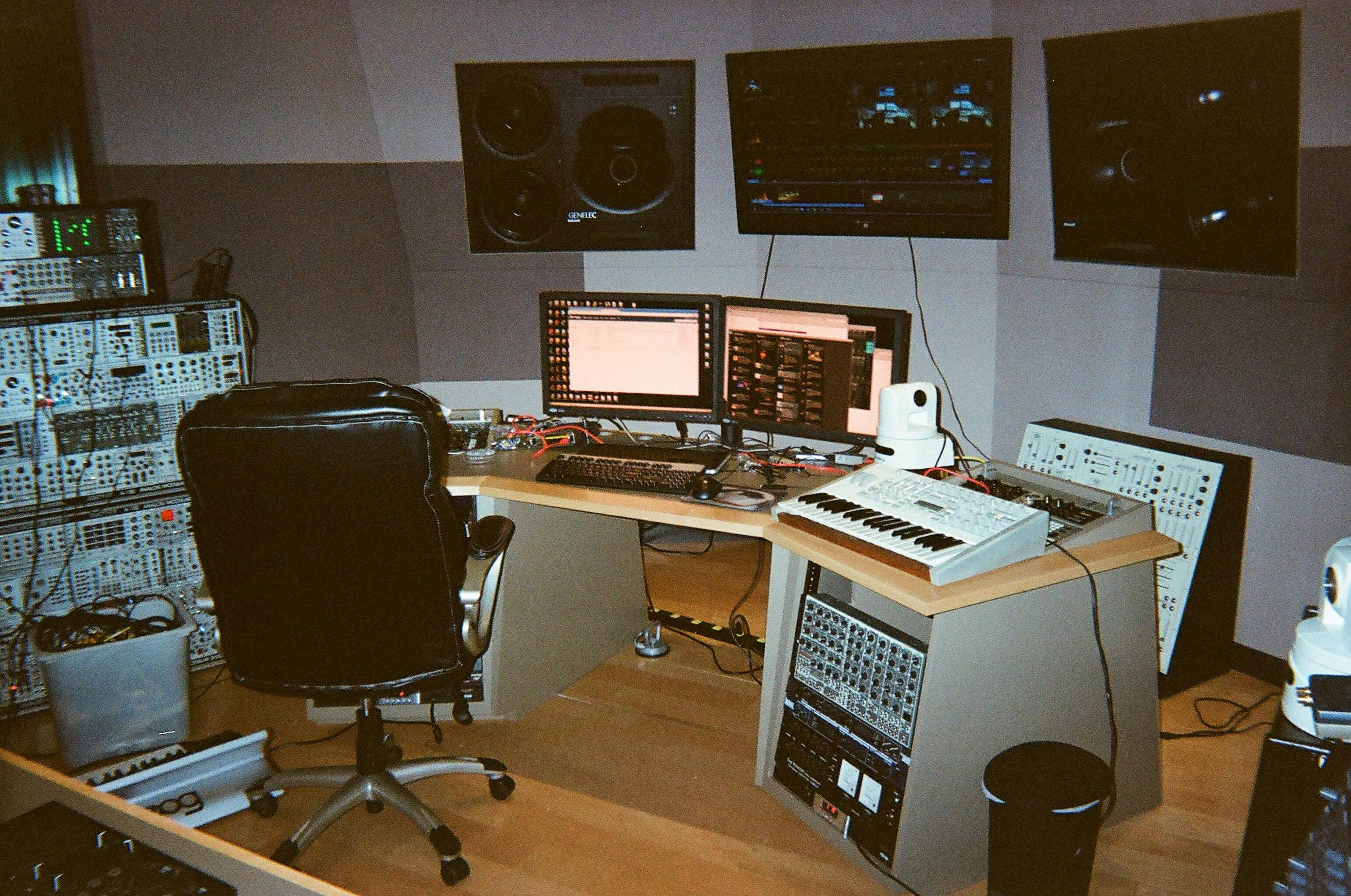 03 - Studio Pic 2