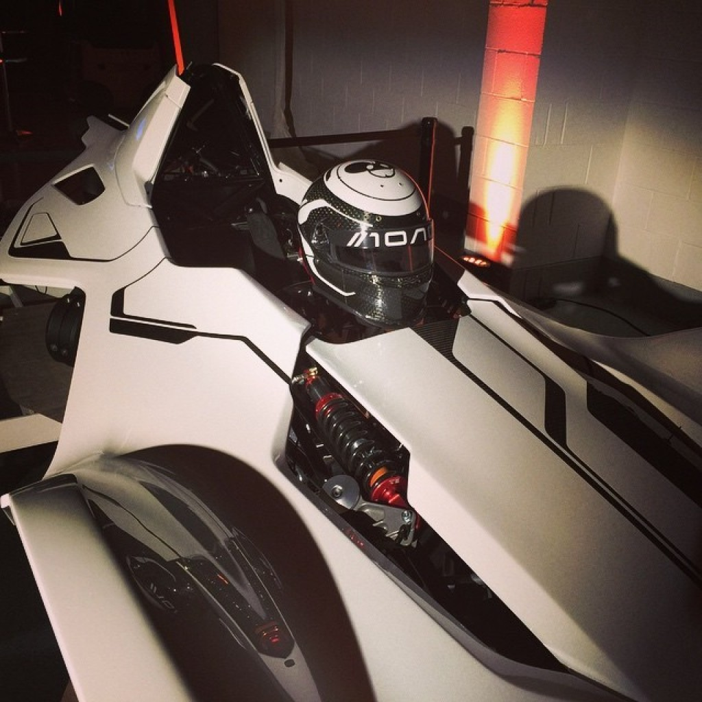 Deadmau5-Mono-Sportscar21