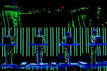 KRAFTWERK live MTV EMA 2003
