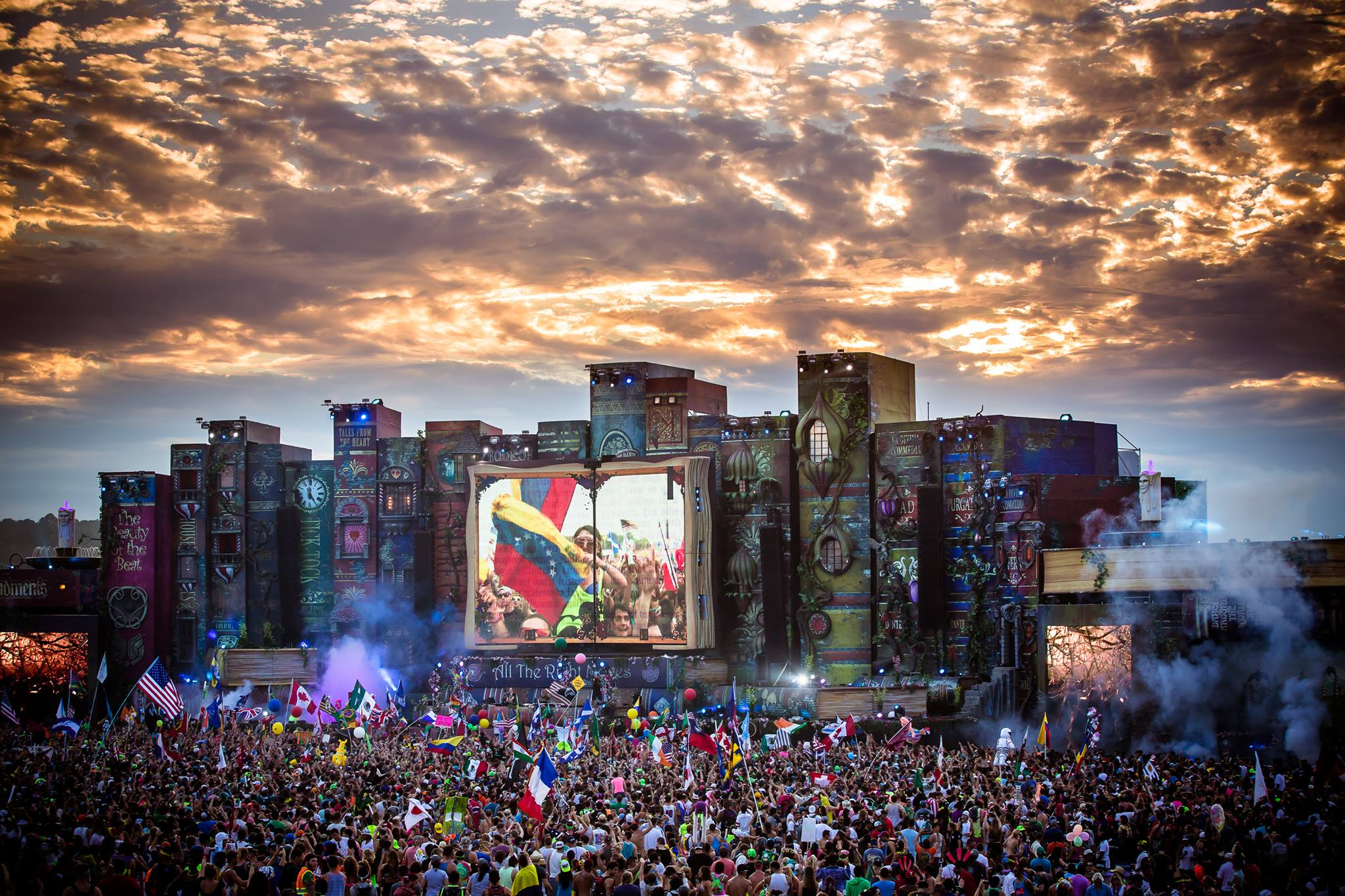 Tomorrowworld S On Site Camping Becomes Its Own Experience