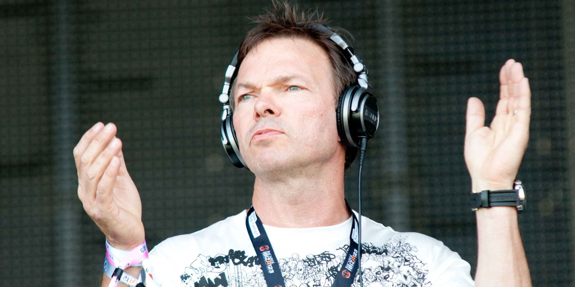 Massive attack call out pete tong for playing out a re for Ibiza proms cd