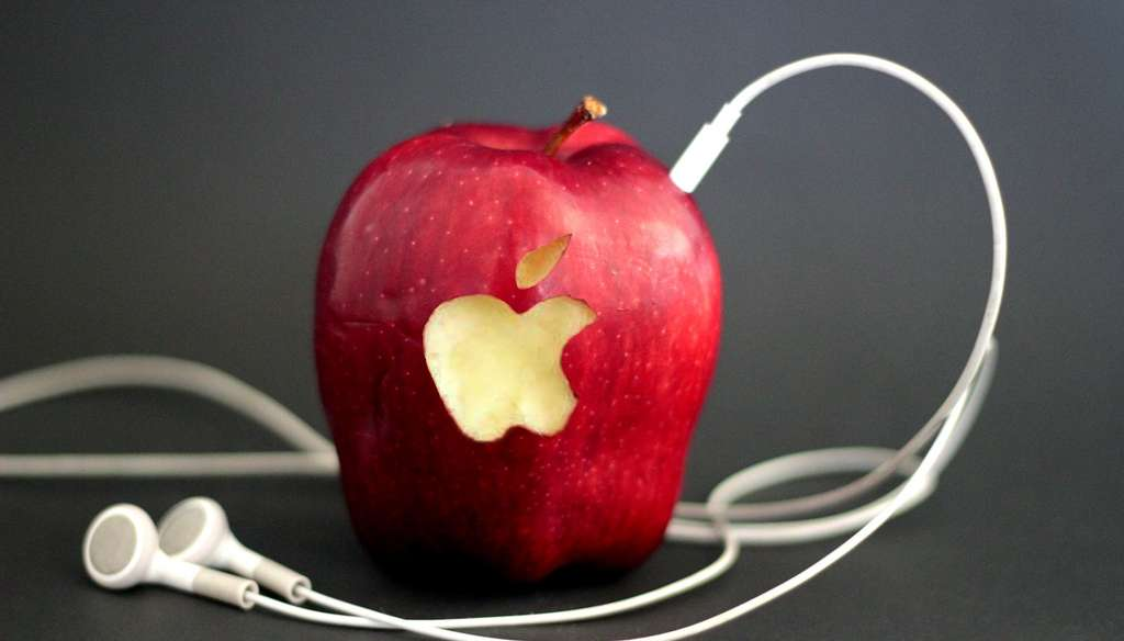 Apple's Streaming Service Gets Put Under The Magnifying Glass | Your EDM