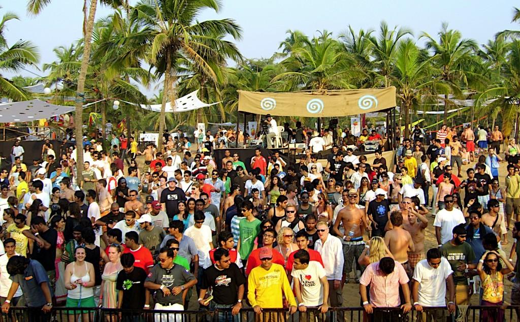 sunburn crowd