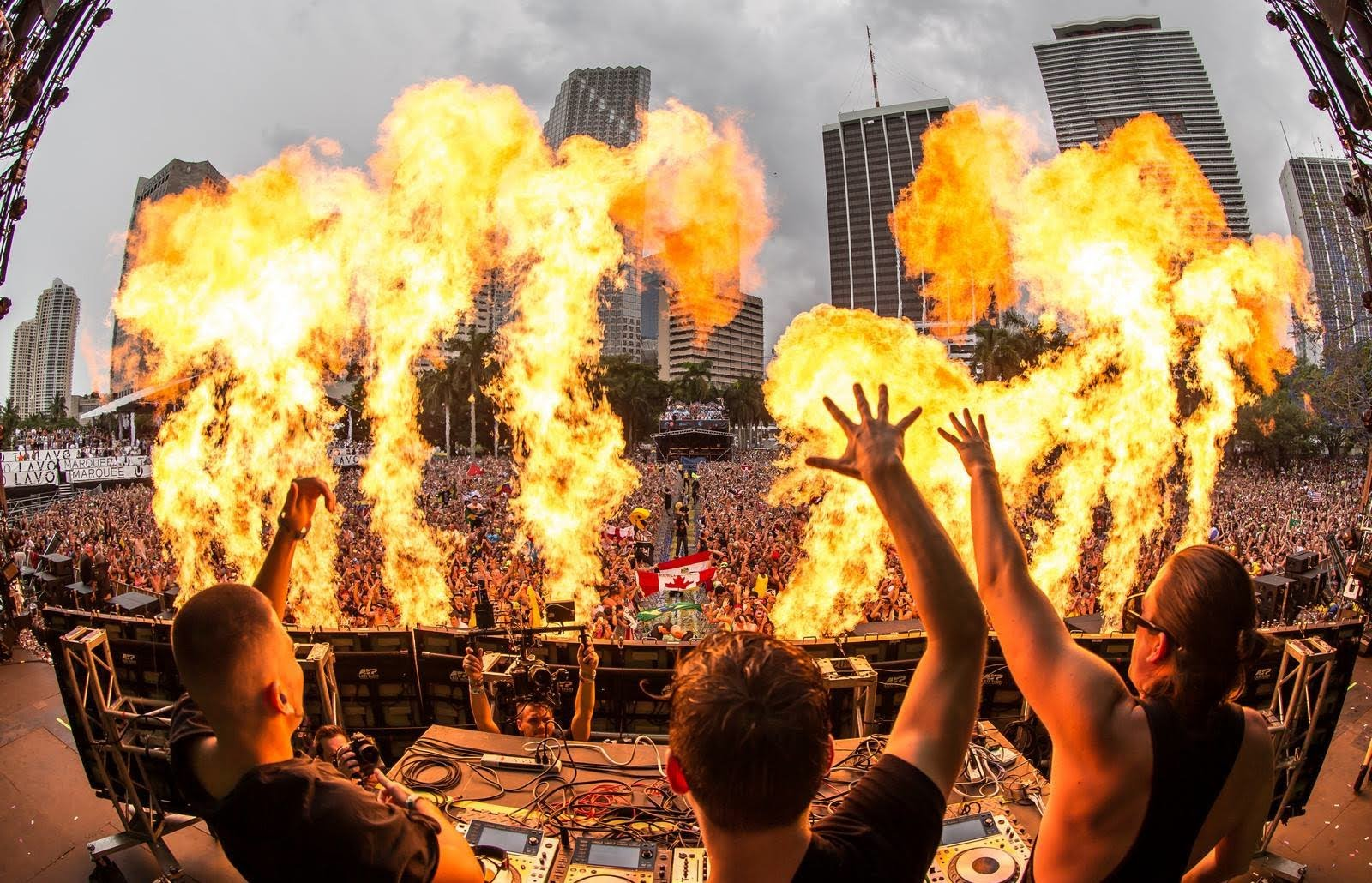 """Al72 Ultra Europe Art Poster Music Party: Dimitri Vegas & Like Mike Claim EDM """"Is The Music Of This"""