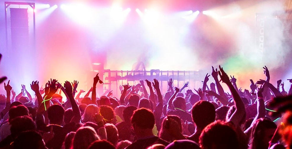 London club bans house music after stabbing incident for House music london