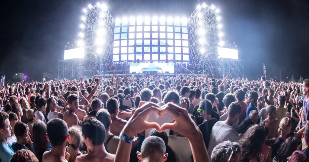 Music-Festival-Crowd