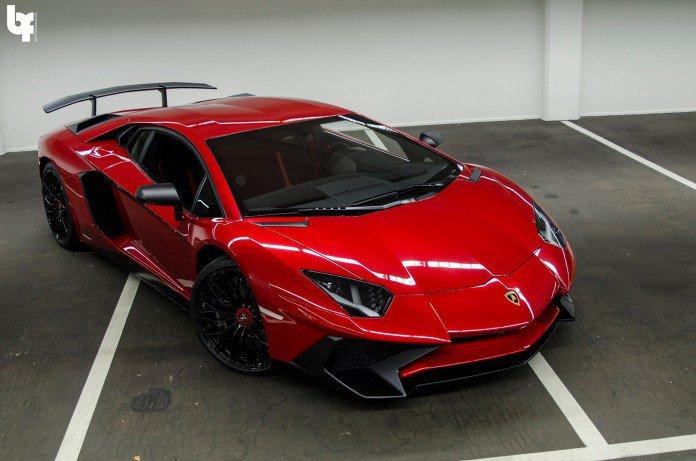 Rosso-Bia-Lamborghini-Aventador-SV-4-696x461