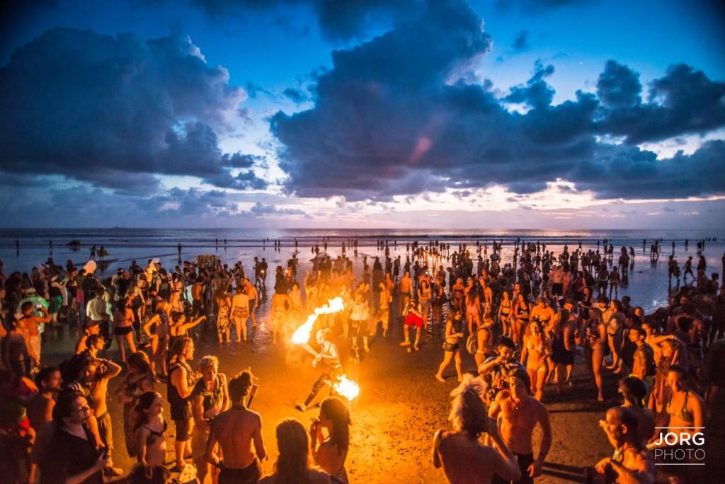 Envision_Festival_2015_Andrew_Jorgensen_Beach_Ceremony - 12
