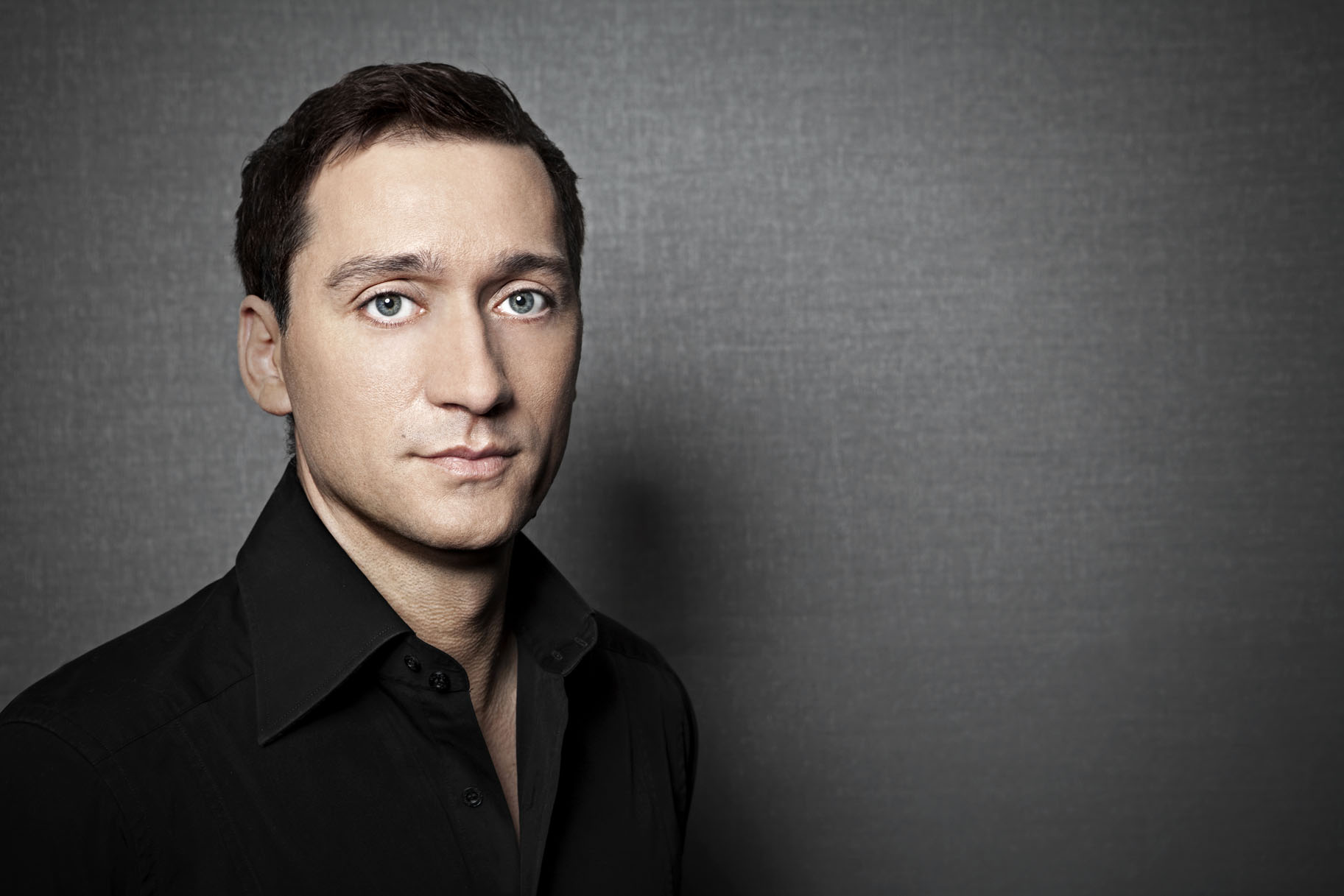 Paul van Dyk earned a  million dollar salary - leaving the net worth at 60 million in 2017