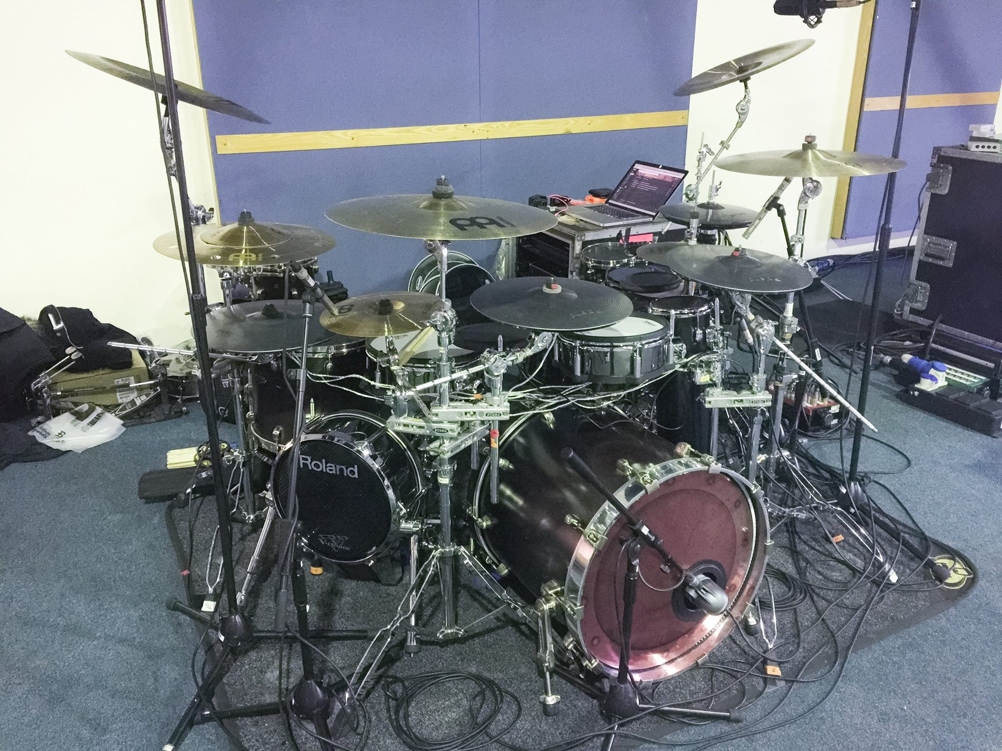 pendulum drum kit