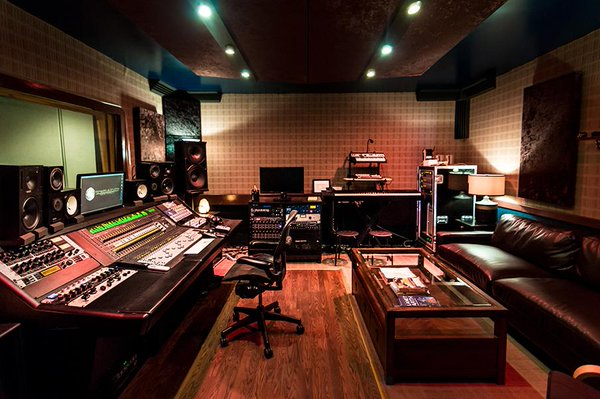 check out the airbnb of recording studios your edm. Black Bedroom Furniture Sets. Home Design Ideas