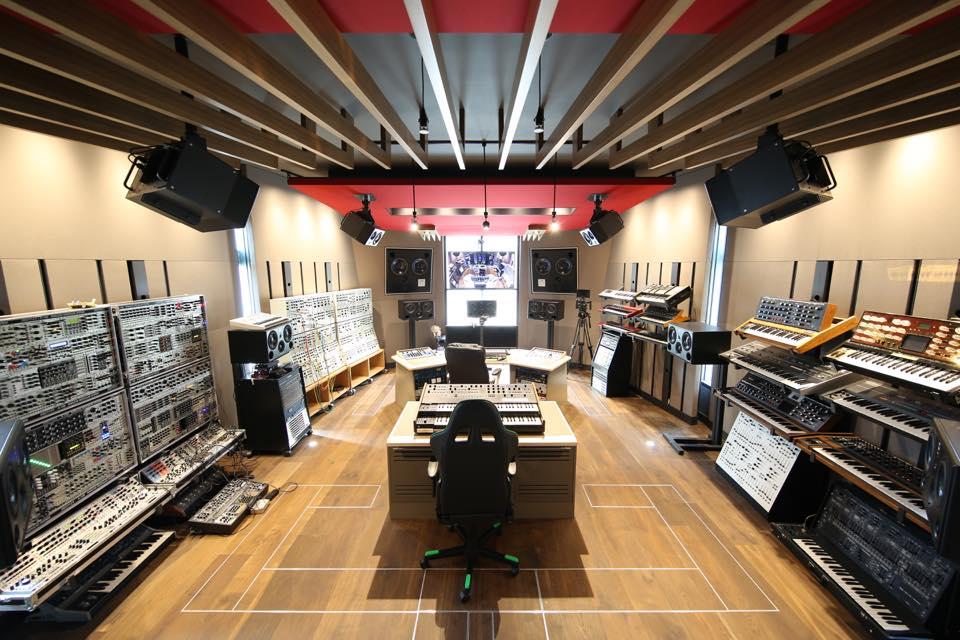 Paramount Studio X