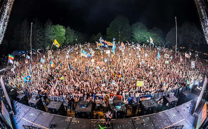 Bassnectar-FamilyPhoto-ElectricForest-20160625-aLIVE-Coverage-crop