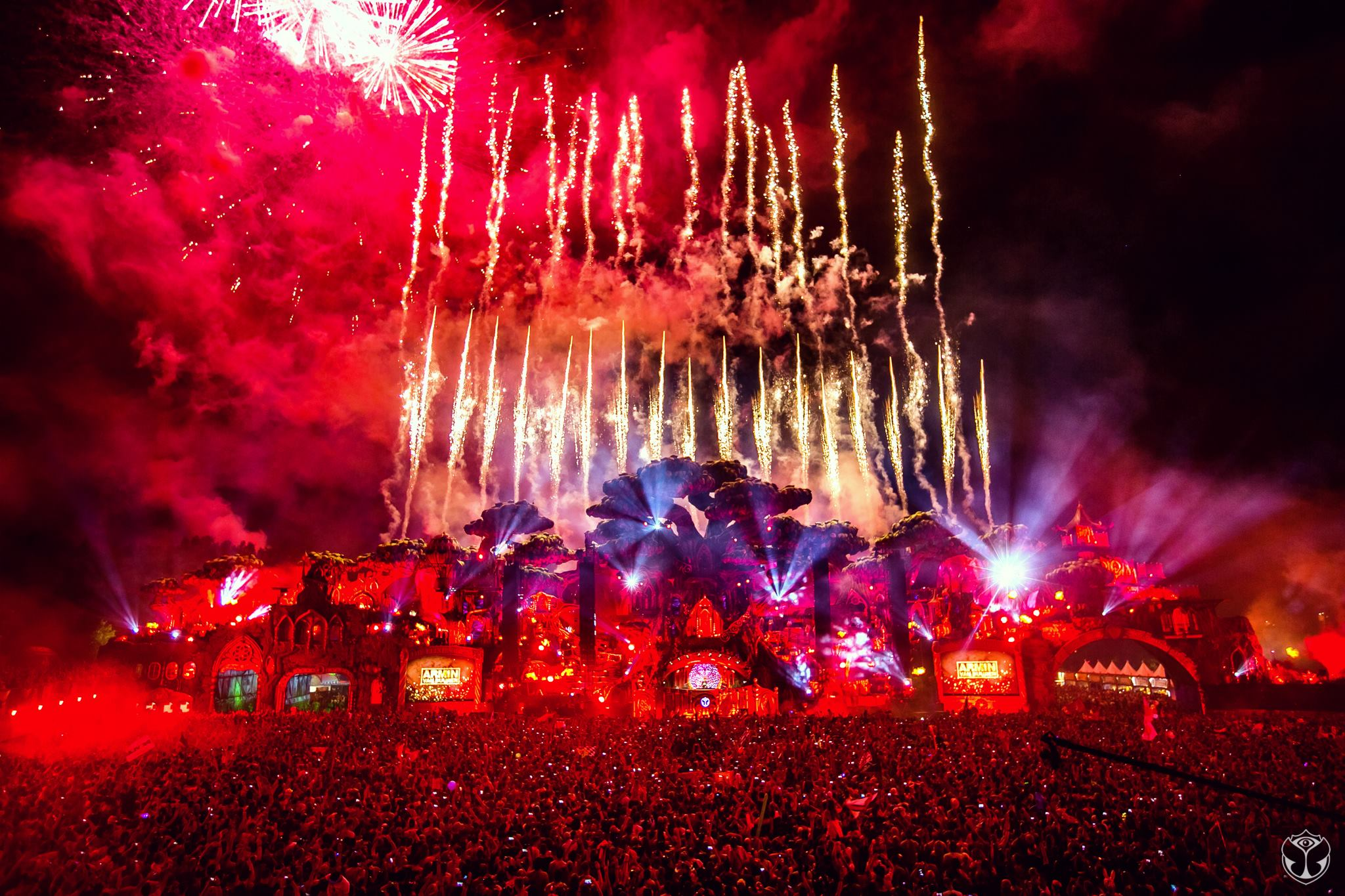 tomorrowland stage red