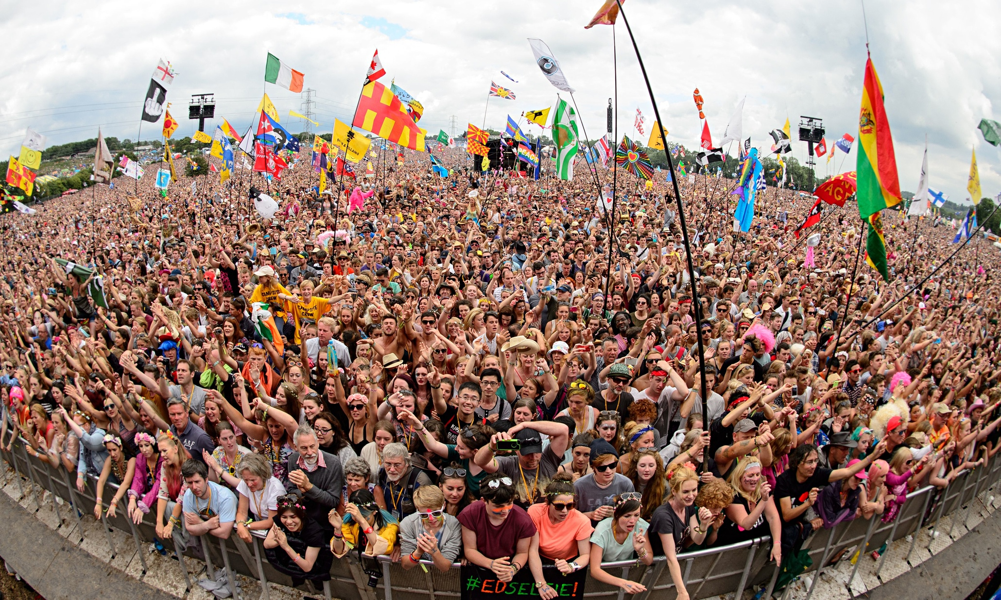 Glastonbury 2020 Sells Out In 34 ...