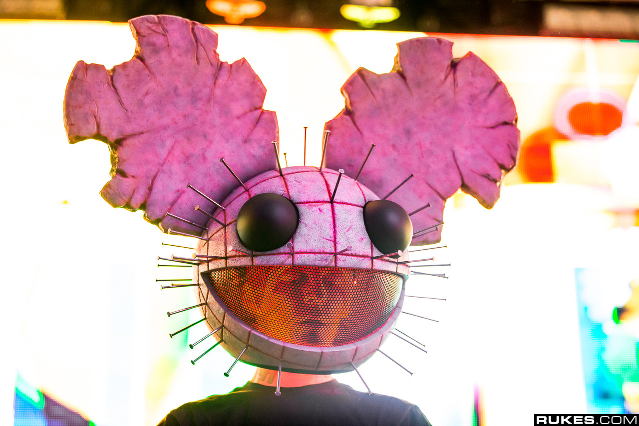 deadmau5s ghosts n stuff gets a new spooky remix right in time for halloween - Halloween Theme Remix