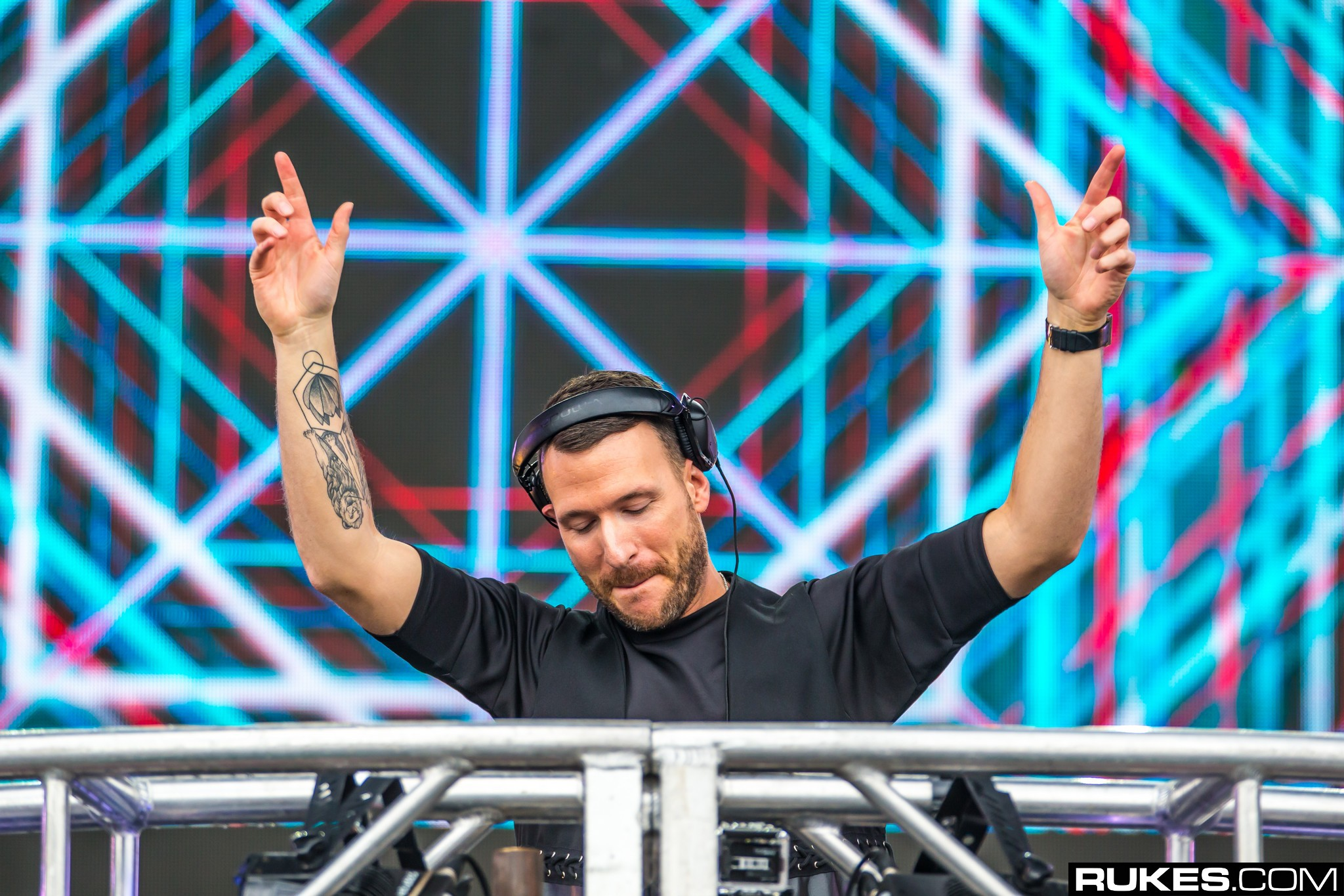 Don Diablo Two Hands Up Rukes