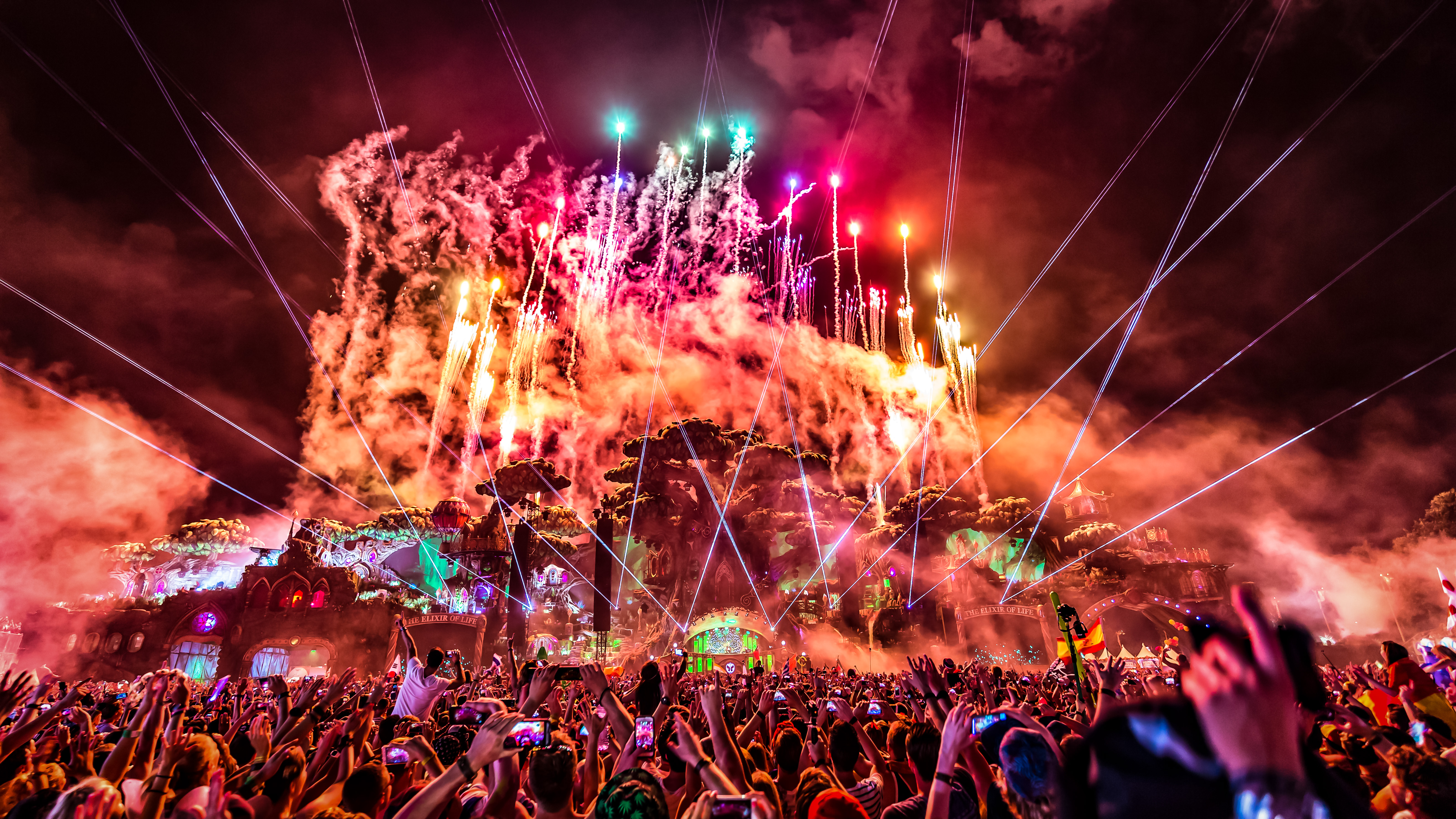 Tomorrowland 2017 Line...