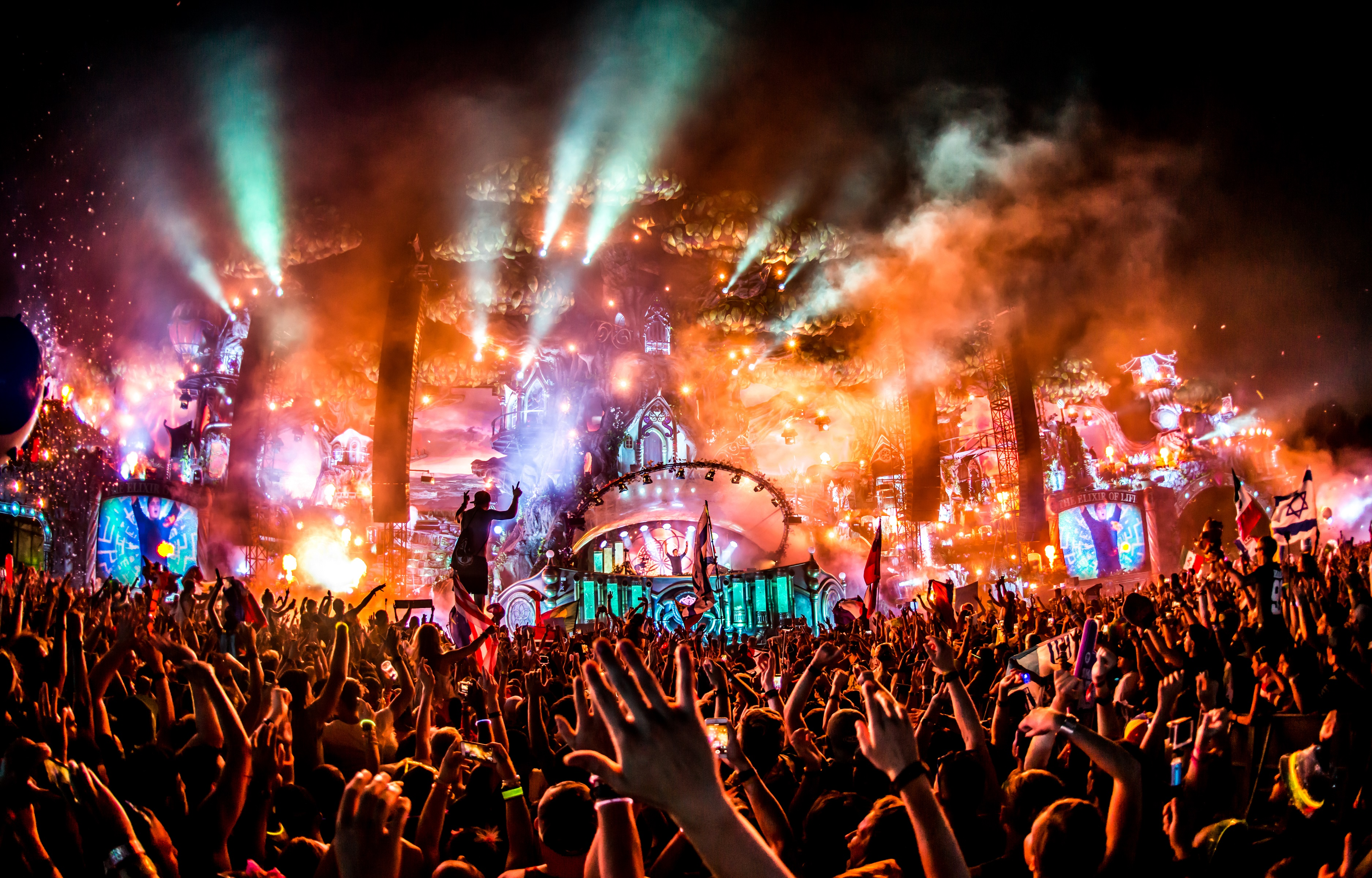"""""""Tomorrowland 2017 Shares Full Schedule For Both Weekends ..."""