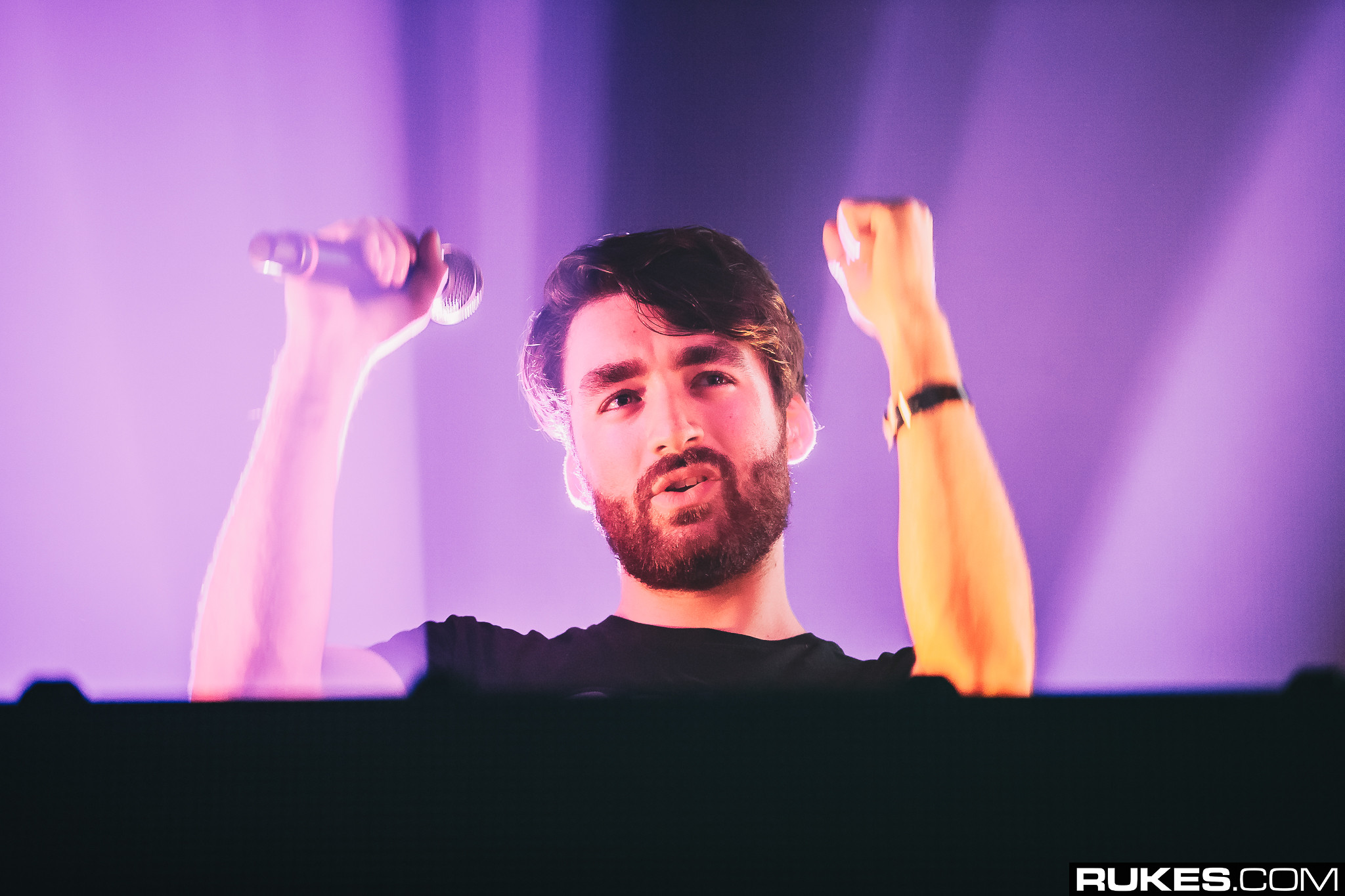 """Oliver Heldens Debuts New Song In Mobile Game App """"Beat Fever"""" A Week Before Official Release"""
