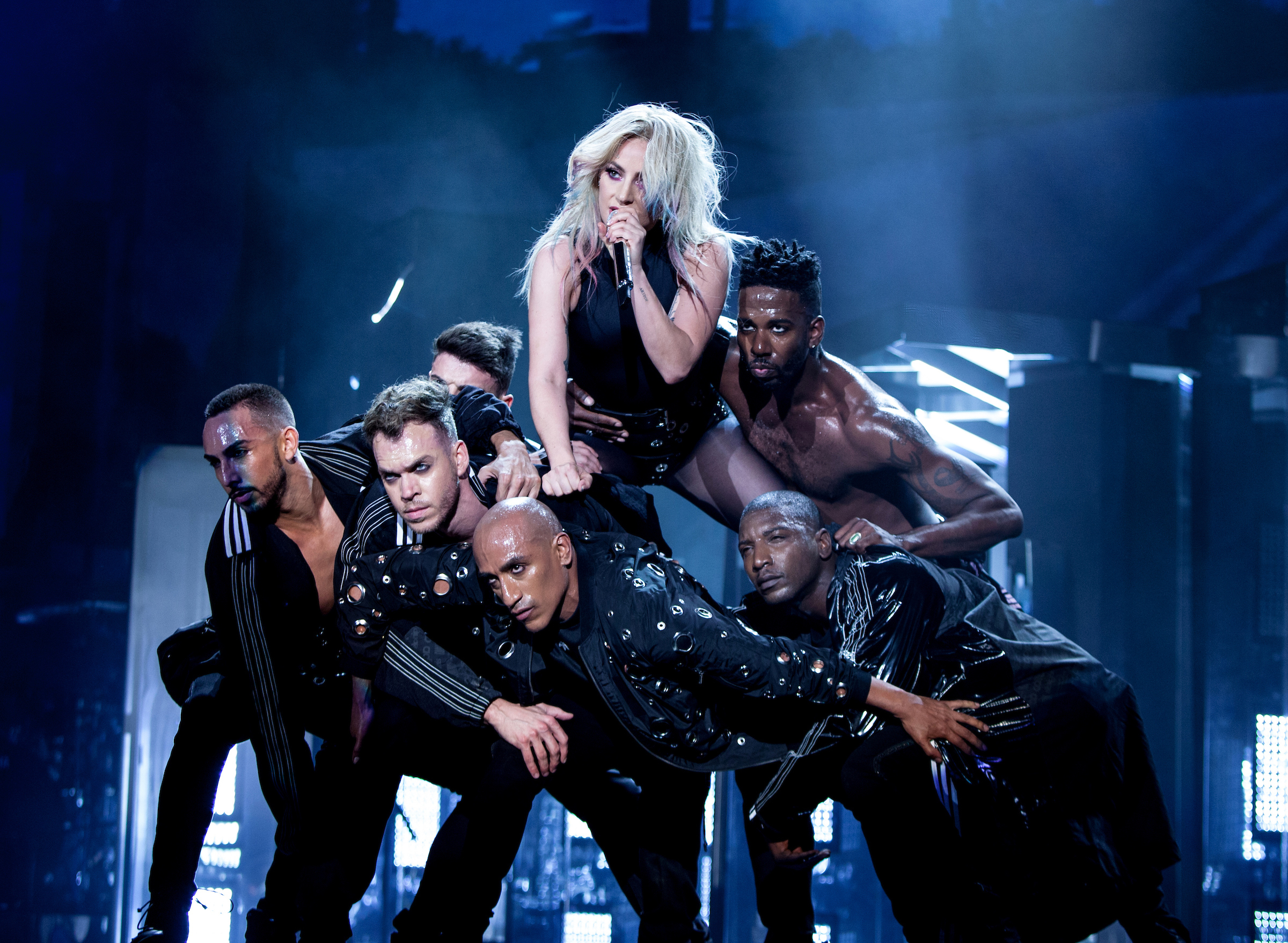 "https://www.youredm.com/ ""srcset ="" https://www.youredm.com/wp-content/uploads/2017/05/Lady-Gaga_Auden-Bui_Coachella_G0227160.jpg 2400w, https: //www.youredm .com / wp-content / uploads / 2017/05 / Lady-Gaga_Auden-Bui_Coachella_G0227160-768x562.jpg 768w, https://www.youredm.com/wp-content/uploads/2017/05/Lady-Gaga_Auden-Bui_Coachella_G02271- 1024x750.jpg 1024w ""dimensioni ="" (larghezza massima: 2400px) 100vw, 2400px ""/></div> </div> <section class="