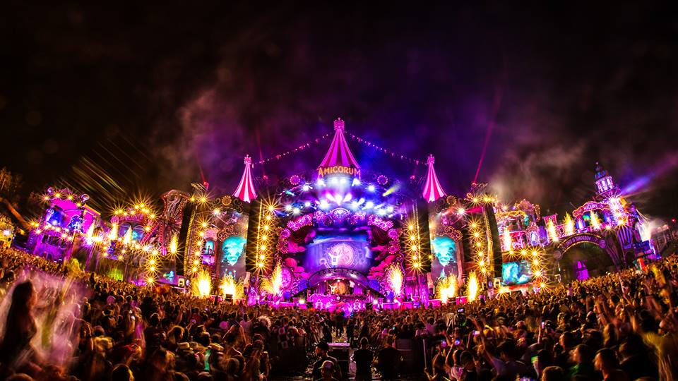 Tomorrowland Nailed 2017's 'Amicorum Spectaculum' Theme ...