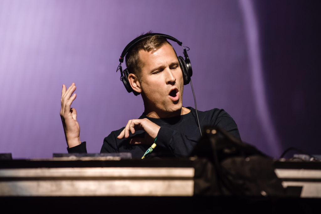 "Kaskade Reveals ""Strobelite Seduction"" Sunrise Set For EDC Las Vegas"