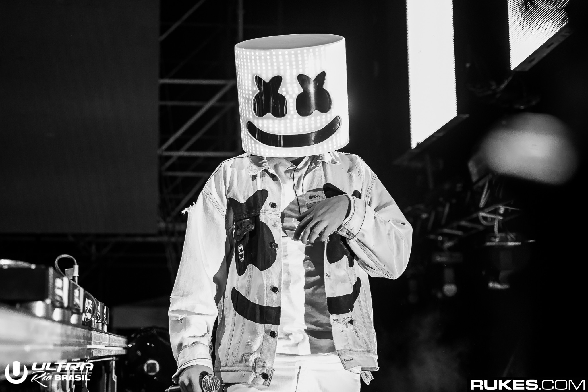 Marshmello sings on new song you me out now your edm marshmello sings on new song you me out now stopboris Images