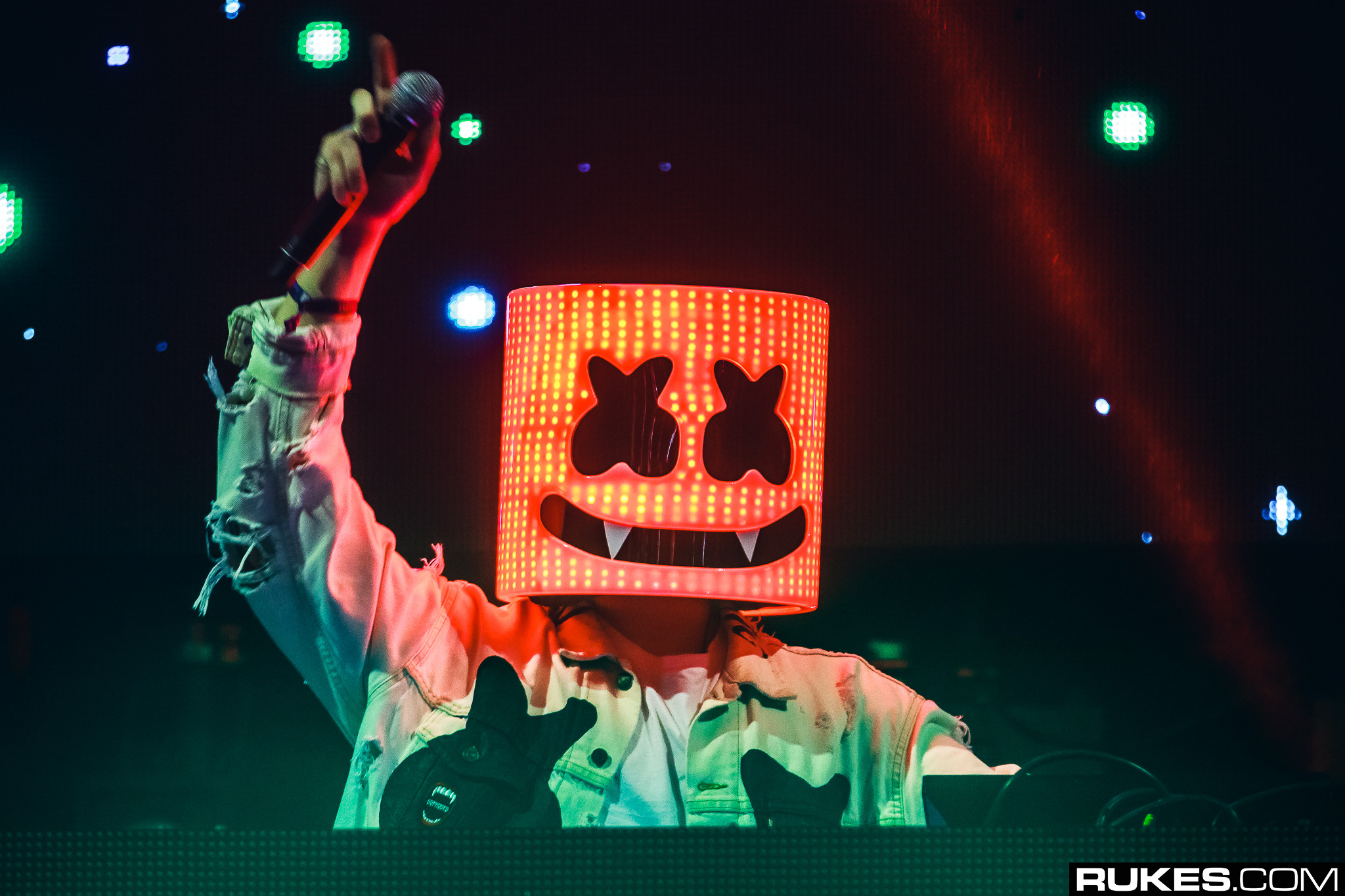 Marshmello joins logic onstage for ellen performance watch your edm marshmello stopboris Gallery