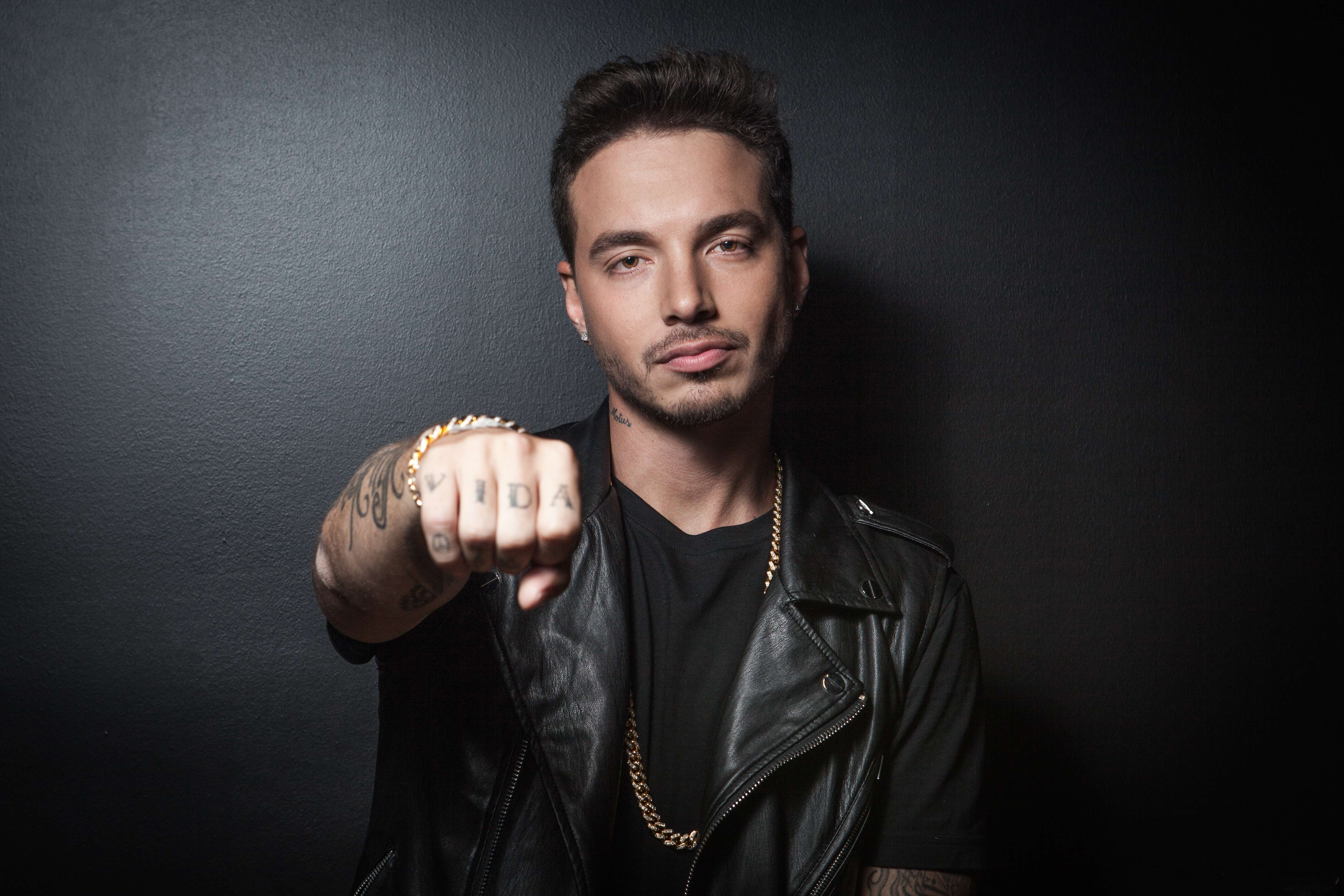 The 33-year old son of father (?) and mother(?) J Balvin in 2019 photo. J Balvin earned a  million dollar salary - leaving the net worth at 12 million in 2019