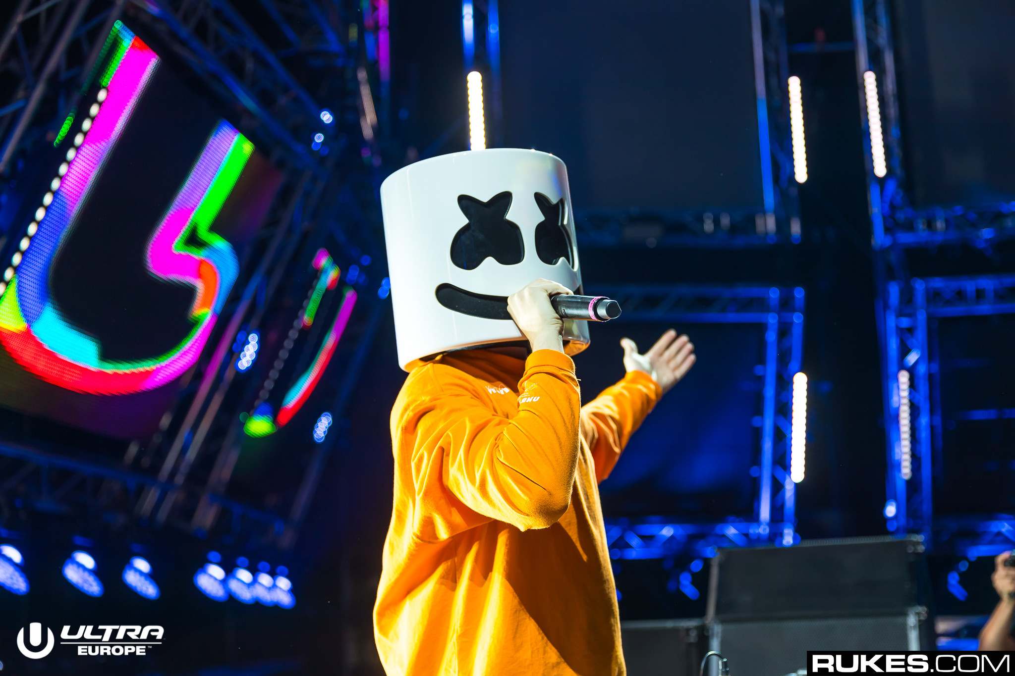 "marshmello ""srcset ="" https://www.youredm.com/wp-content/uploads/2018/07/marshmello-so-whats-the-deal-with-airplane-food-ultra-europe-2018-rukes.jpg 2048w, https://www.youredm.com/wp-content/uploads/2018/07/marshmello-so-whats-the-deal-with-airplane-food-ultra-europe-2018-rukes-768x512.jpg 768w https://www.youredm.com/wp-content/uploads/2018/07/marshmello-so-whats-the-deal-with-airplane-food-ultra-europe-2018-rukes-1024x683.jpg 1024w, https://www.youredm.com/wp-content/uploads/2018/07/marshmello-so-whats-the-deal-with-airplane-food-ultra-europe-2018-rukes-360x240.jpg 360w ""tamaños = ""(ancho máximo: 2048px) 100vw, 2048px"" /></div> </div> <section class="