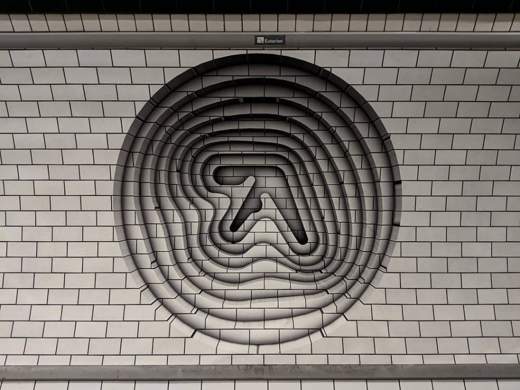 Aphex Twin Shares a Review of His Collapse EP from An