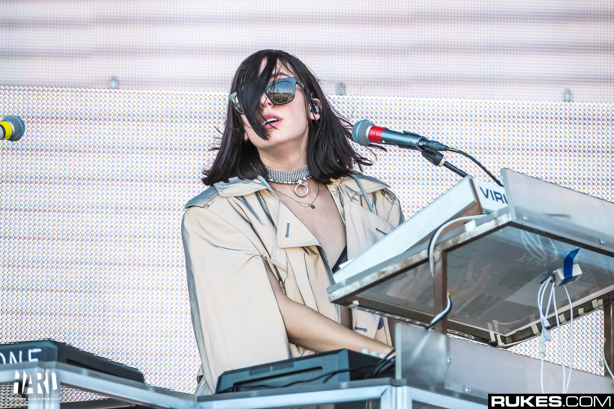 "https://www.youredm.com/ ""srcset ="" https://www.youredm.com/wp-content/uploads/2018/09/elohim-diva-hard-summer-2018-rukes.jpg 2048w, https : //www.youredm.com/wp-content/uploads/2018/09/elohim-diva-hard-summer-2018-rukes-768x512.jpg 768w, https://www.youredm.com/wp-content/ uploads / 2018/09 / elohim-diva-hard-summer-2018-rukes-1024x683.jpg 1024w, https://www.youredm.com/wp-content/uploads/2018/09/elohim-diva-hard-summer -2018-rukes-360x240.jpg 360w ""tailles ="" (largeur max: 2048px) 100vw, 2048px ""/></div> </div> <section class="