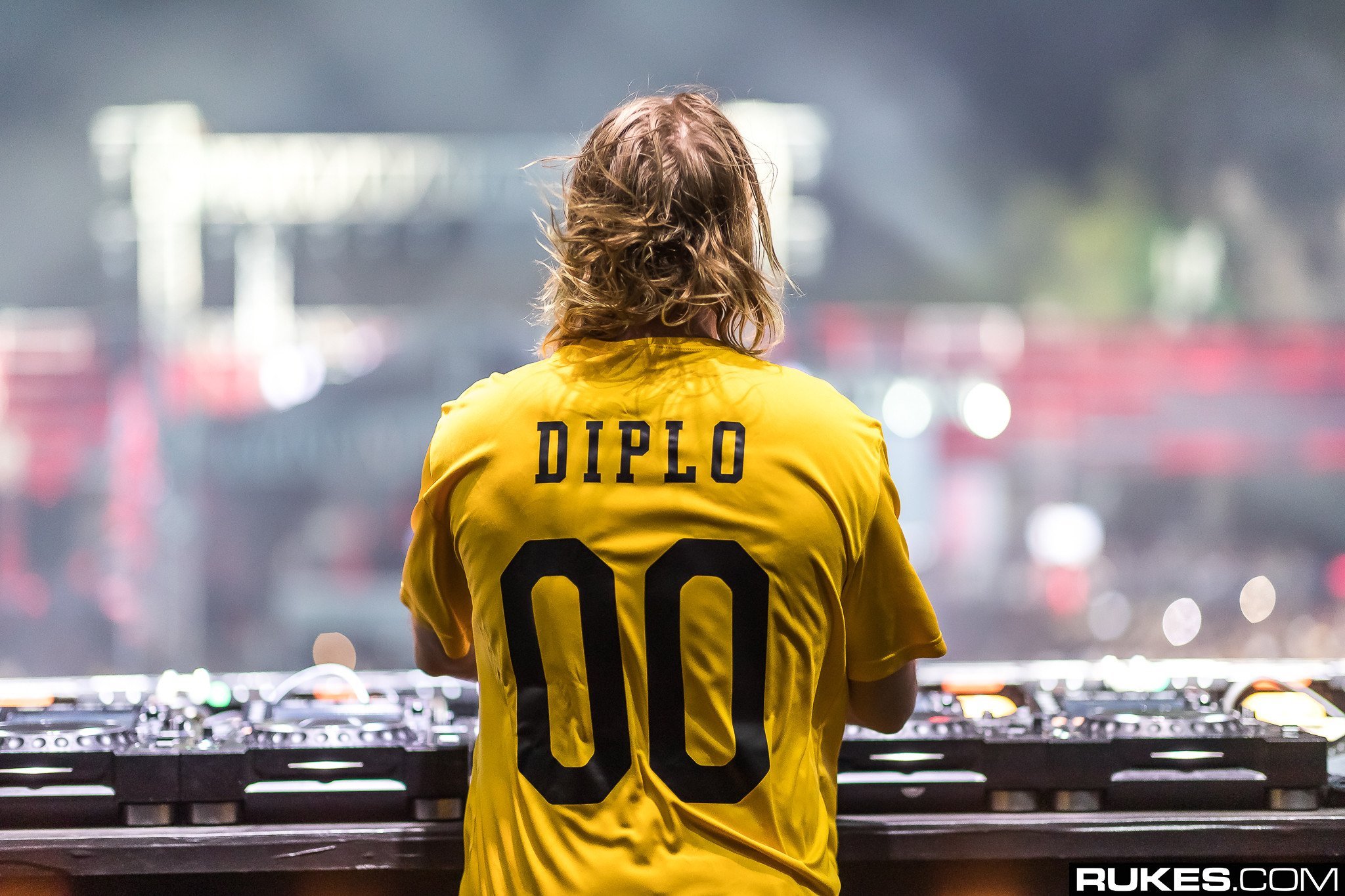 Diplo Unleashes First 'Diplo & Friends' Mix of 2019 & It's